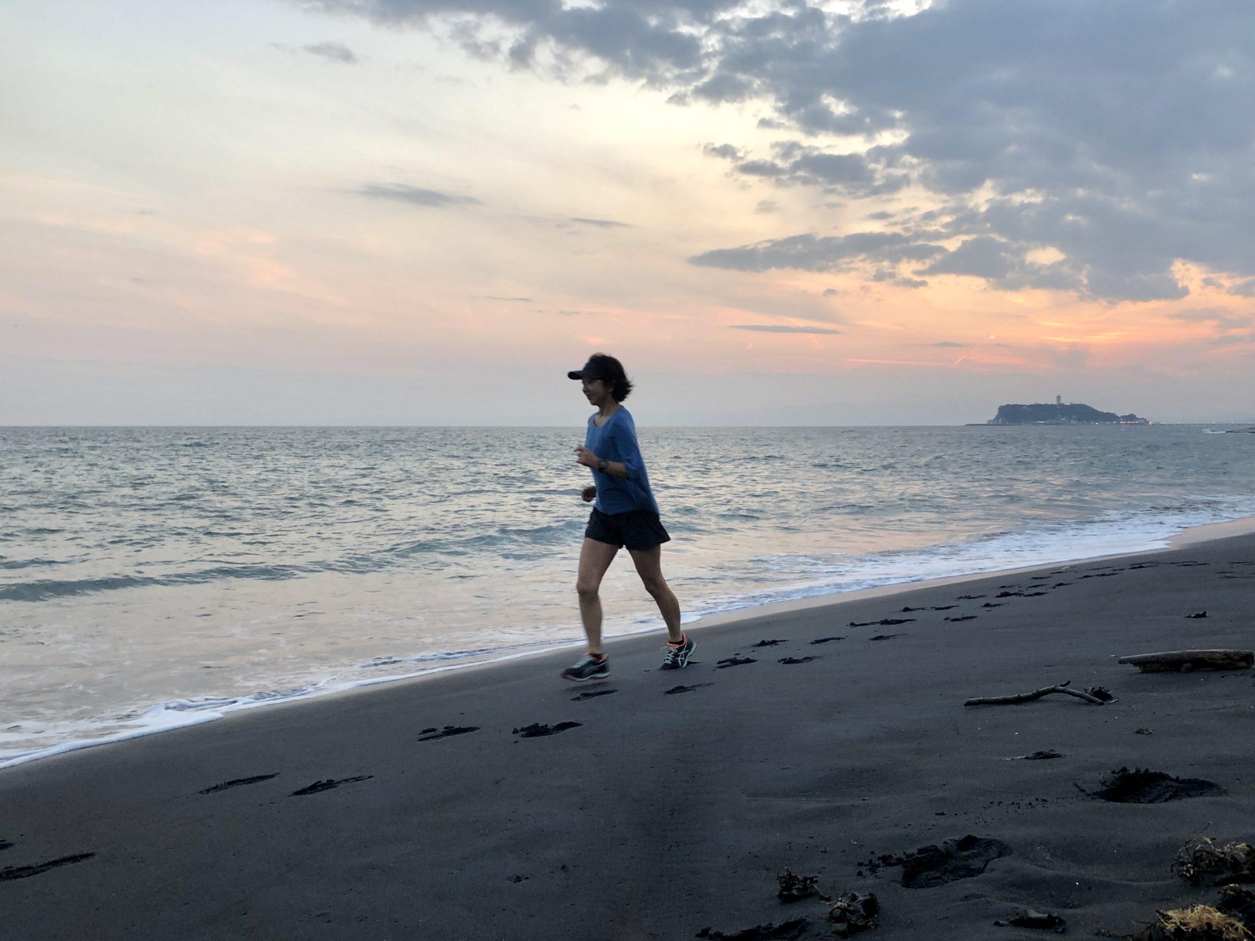 つなぎのJOG45分。海岸にて