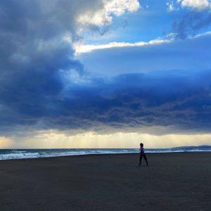 茅ヶ崎海岸でラン