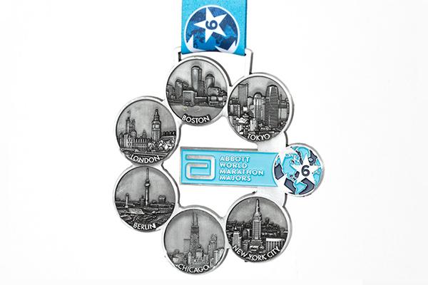 Six Star Finisherメダル(東京マラソン公式ウェブサイトより)