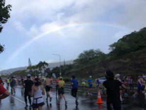 ホノルルマラソンで虹!