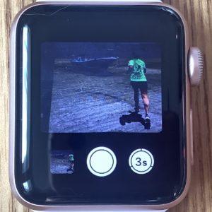 Apple Watchで撮影。「フォトビューア」ボタンが左下に表示