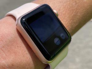 Apple Watchで撮影。Apple Watchをファインダーに