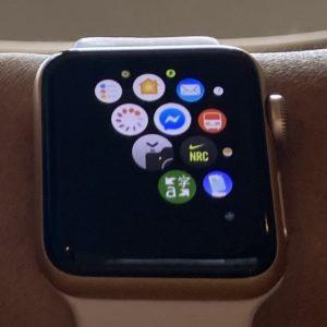 Apple Watchで「カメラ」App  を起動