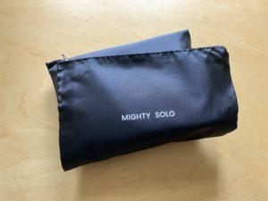 マイティソロのファスナー付きの黒のバッグ