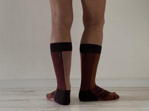 OnのHigh Sock「Fig Rose」XSサイズの長さはふくらはぎの途中まで