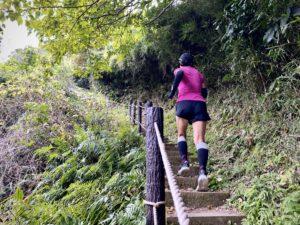 鎌倉中央公園で階段アップ