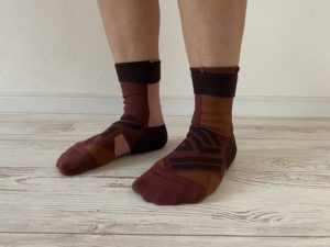 OnのHigh Sockはふくらはぎに跡が