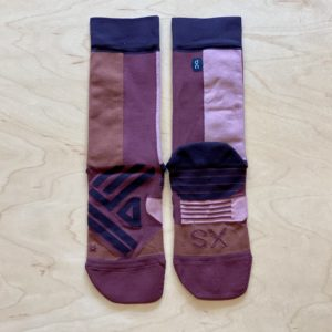 OnのHigh Sock「Fig Rose」XSサイズを広げたところ