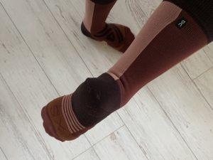 OnのHigh Sock「Fig Rose」XSサイズ、ぴったり