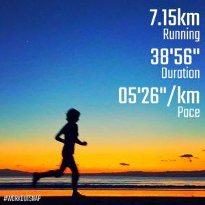 """【5'05""""/kmで4.8km+4'13""""/kmで5x30秒】材木座海岸"""