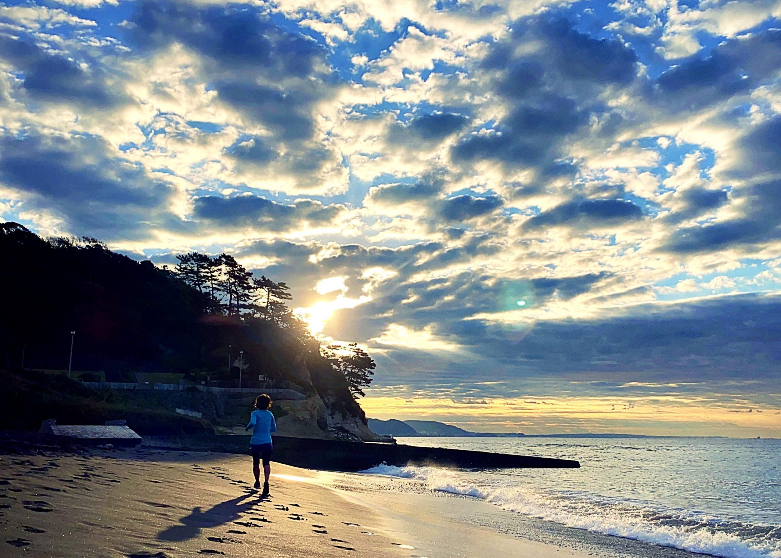 キラキラな太陽と雲のもと、稲村ヶ崎ラン