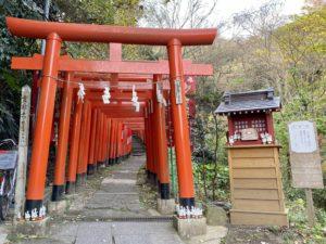 佐助稲荷神社の鳥居の入口