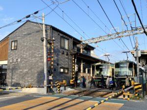 長谷駅と江ノ電2車両