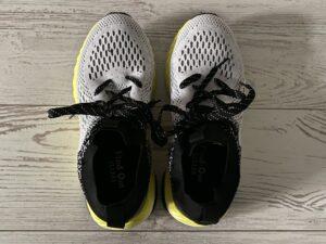 「アスレシューズ ハイバウンス」は靴紐でかかとをホールドできない