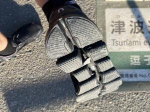 Cloudflyer Waterproof靴底に小石