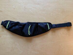 ランゼストのランニング2wayバッグに黄色い反射テープ