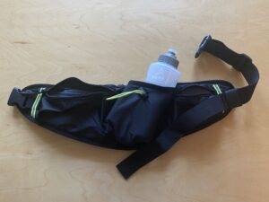 ランゼストのランニング2wayバッグのペットボトルホルダーにボトル