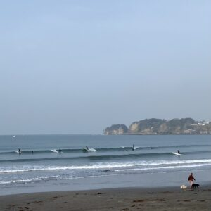 サーファーin材木座海岸