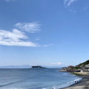 稲村ヶ崎海浜公園から見る富士山