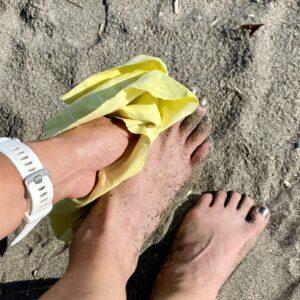 足の砂が落ちない