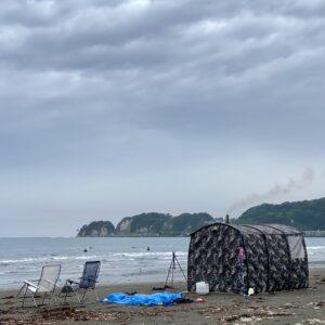 材木座海岸のテントサウナ