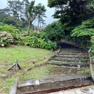 稲村ヶ崎公園も冠水