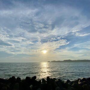 逗子マリーナから見た江の島